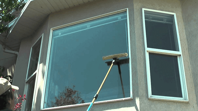 How to Clean Outside Windows You cant Reach