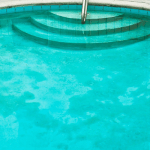 How to Remove Dead Algae from the Pool Bottom