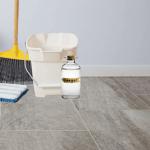 How to Clean Vinyl Floors with Vinegar