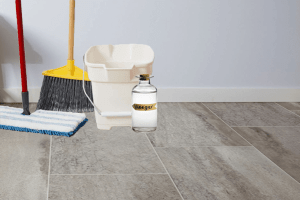 How to Clean Vinyl Floors with Vinegar