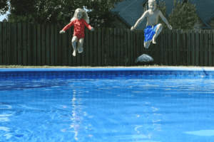 How to Make a Swimming Pool Water Blue