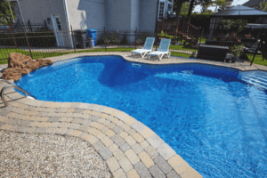 Advantages and Disadvantages of Saltwater Pools
