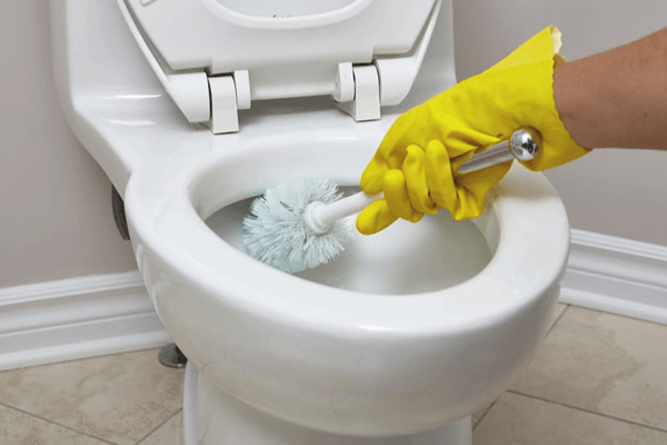 How to Prevent Poop From Sticking to The Toilet Bowl