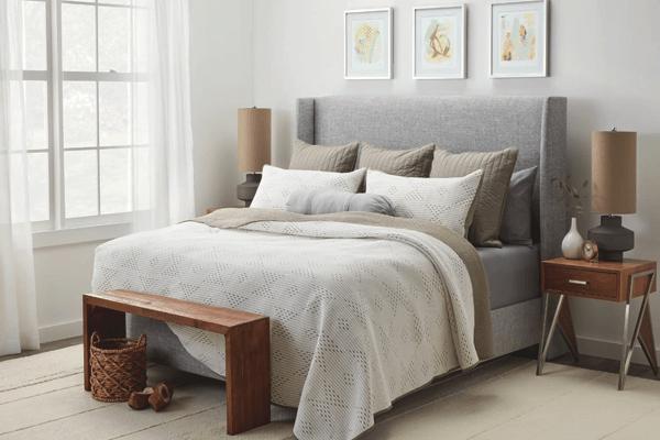 King Bed Pillow Arrangement Ideas